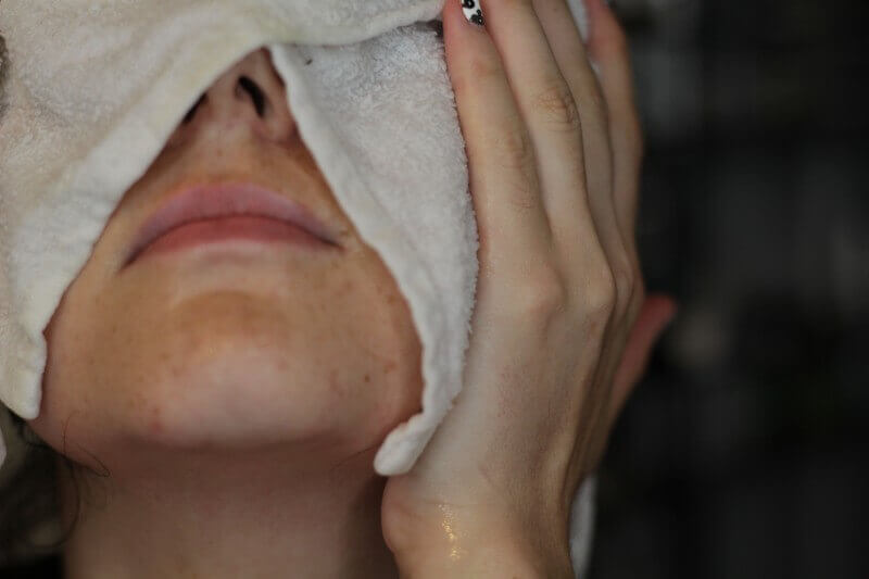 Steaming towel