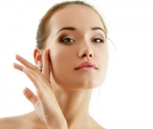 All-You-Need-To-Know-About-Mineral-Makeup-2-700x591
