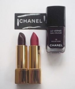 Chanel-Rouge-Noir-Absolument-10-1200x1414