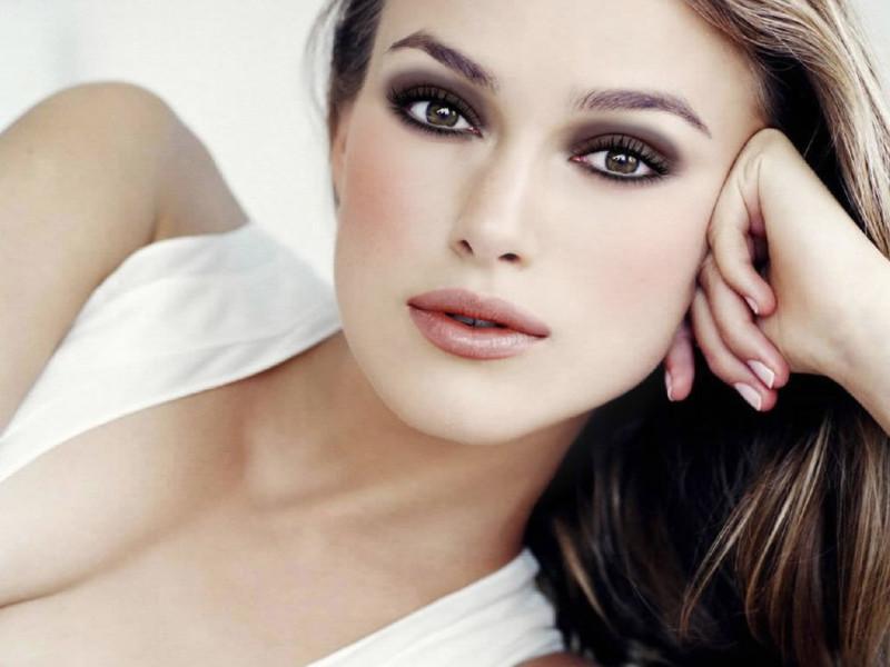 Kiera-Knightly-Brown-eyes-makeup-tips1