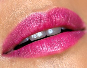 mac-enchanted-eve-pink-lipstick-lets-rendezvous